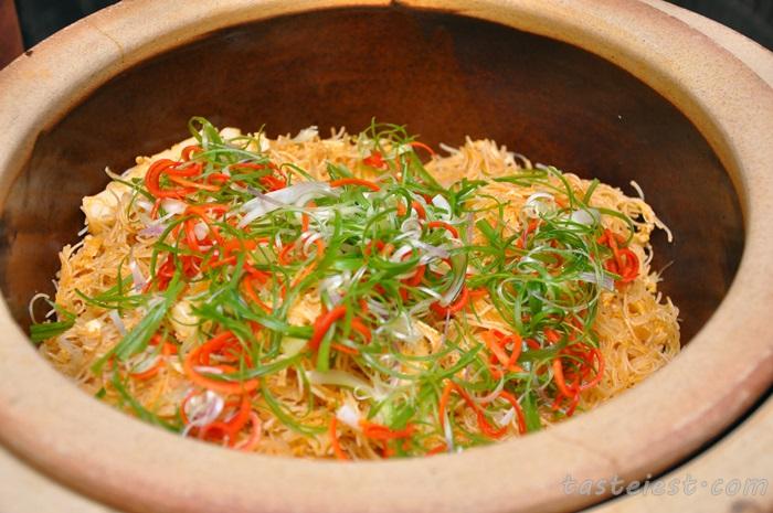 Fried BeeHoon Tomyam Seafood